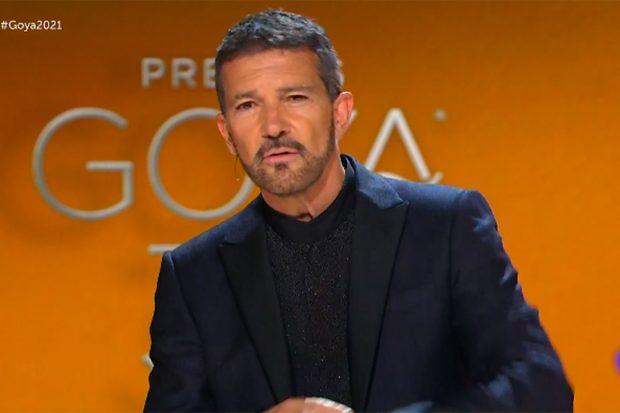 Antonio Banderas presentando la gala de los premios Goya 2021./RTVE