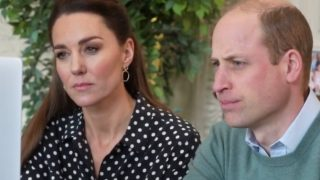 Kate Middleton luce la blusa con el estampado más polémico de Letizia