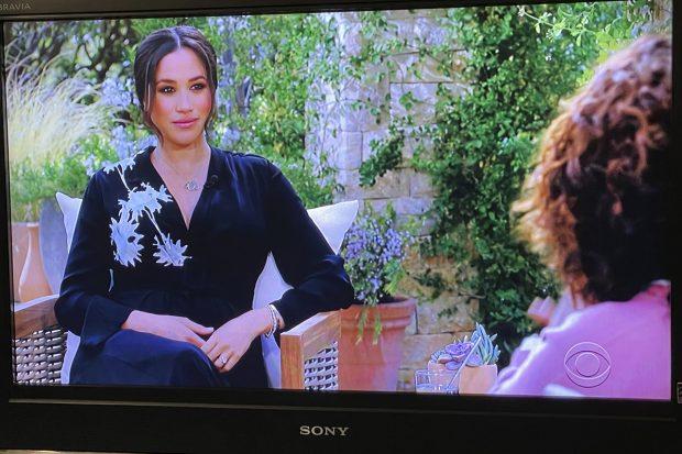 Meghan Markle en la entrevista con Oprah Winfrey./Gtres