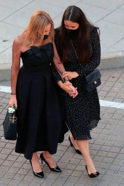 Ana Obregón y Carolina Monje, durante el entierro de Álex Lequio / Gtres