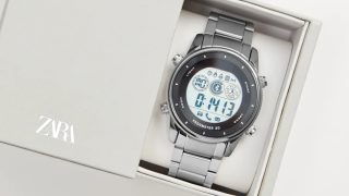 El complemento ideal a todos tus looks el reloj inteligente low cost de Zara