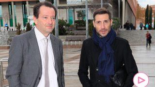 Antonio David Flores y su abogado Iván Hernández en una imagen de archivo/Gtres