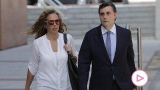 Rocío Carrasco a la llegada a un juicio junto a su abogado, Javier Vasallo / Gtres