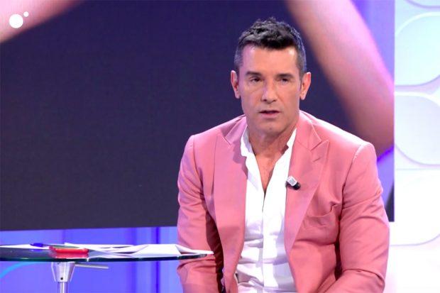 Jesús Vázquez se ha emocionado al despedirse de 'Mujeres y Hombres y Viceversa'./Telecinco