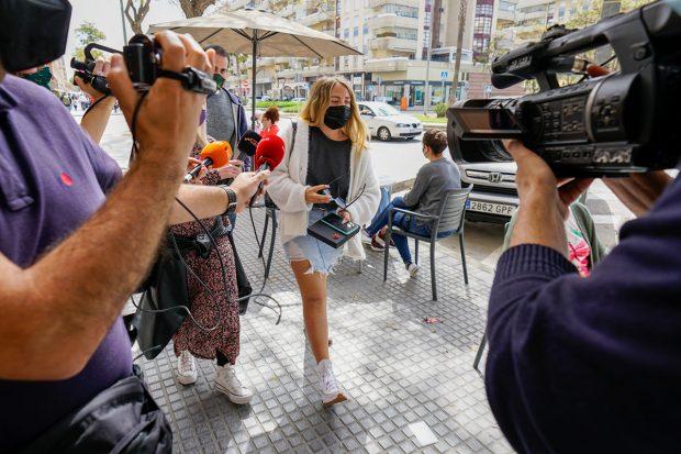 Rocío Flores visita a su padre Antonio David en Málaga./Gtres