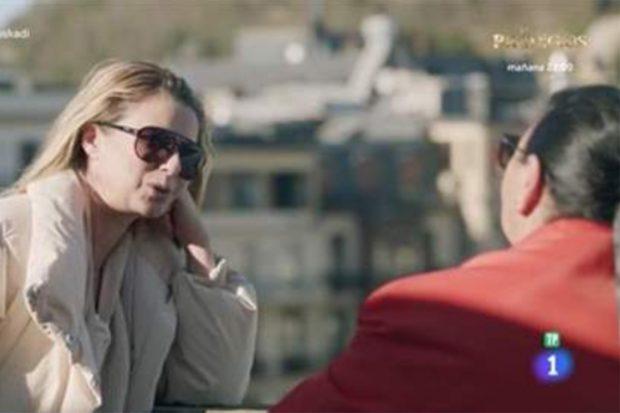 María del Monte y Anne Igartiburu en 'Dos parejas y un destino' de TVE./TVE