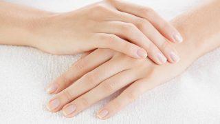 Remedios para conseguir blanquear las uñas amarillas