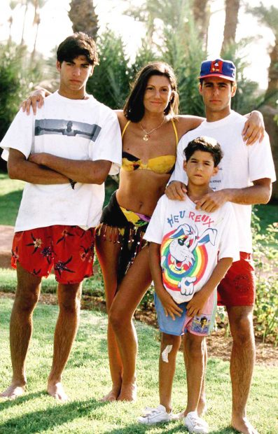 Carmen Ordóñez, Francisco y Cayetano Rivera y Julián Contreras en una imagen de archivo./Gtres