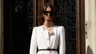 Zara clona el vestido blazer blanco más bonito de la nueva colección de YSL
