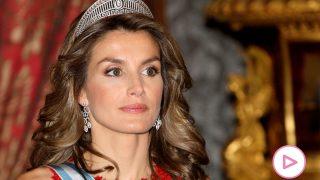 La reina Letizia en una imagen de archivo con la tiara prusiana / Gtres