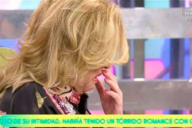 Lydia Lozano no ha podido reprimir las lágrimas al acordarse de su hermano / Mediaset
