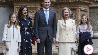 Los Reyes y sus hijas junto a la reina doña Sofía en Mallorca / Gtres