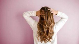 Descubre de qué manera el estrés compromete la salud de tu cabello
