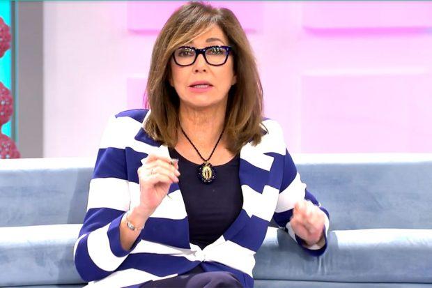 Ana Rosa se ha puesto muy seria para explicar cómo ha fichado a Rocío Flores/ Mediaset