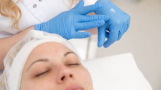 Los distintos usos que tiene la vaselina para el rostro