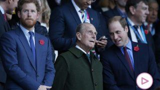El príncipe Felipe de Edimburgo con sus nietos / Gtres