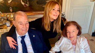 Ana Obregón en una imagen junto a sus padres / Instagram