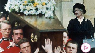 La reina madre en el funeral de Wallis Simpson / Gtres