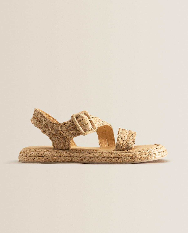 Zara Home vende las sandalias de rafia de Dior que te encantan o las odias