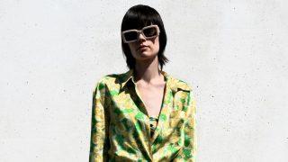 El vestido estampado de Zara con el que vas a llevar además, el complemento de moda