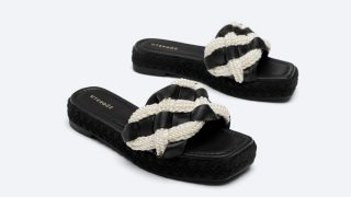 Uterqüe copia las sandalias de Chanel más glamurosas con perlas incluidas