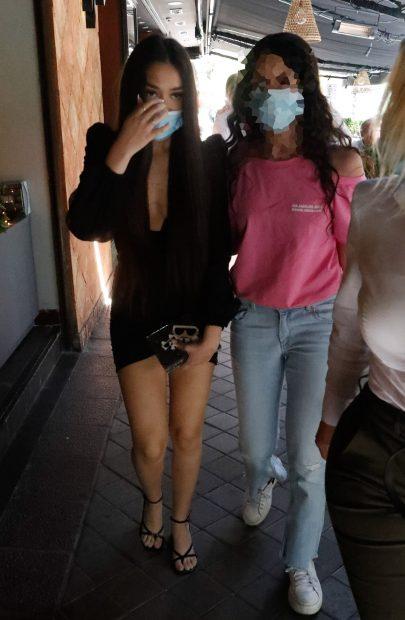 Julia Janeiro ha cumplido 18 años y ha almorzado junto a su novio y algunos amigos./Gtres