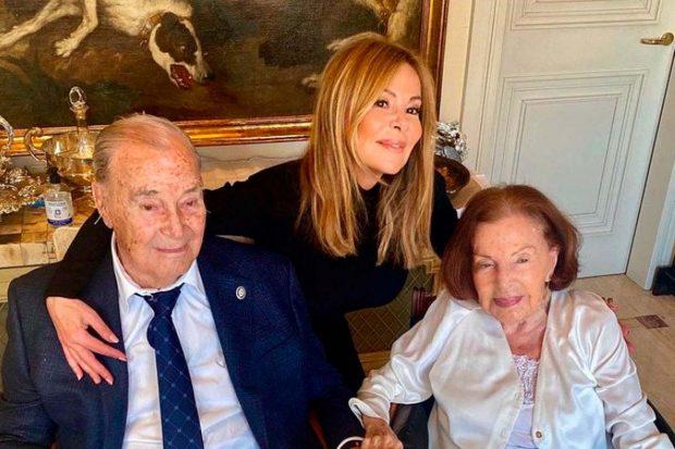 Ana Obregón y sus padres, Antonio García y Ana Obregón