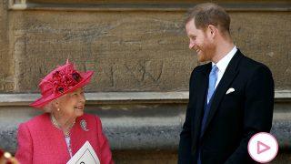 El príncipe Harry y la reina Isabel / Gtres