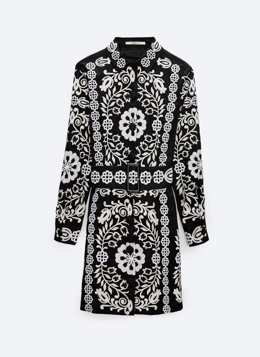 ¿Giorgio Armani o Uterqüe? El vestido camisero de pasarela low cost de nuestros sueños