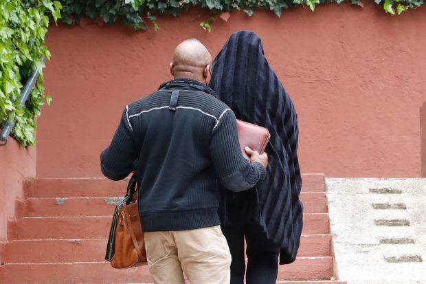 Raquel Mosquera no ha querido ser vista a su llegada a casa / Gtres