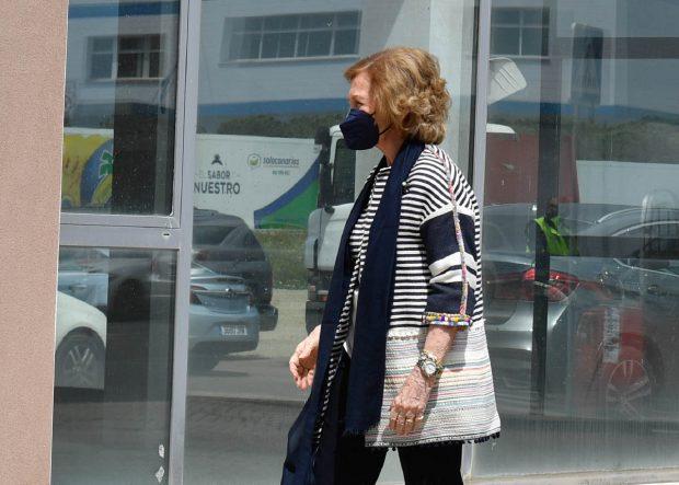 Doña Sofía ha visitado el Banco de Alimentos de Sevilla / Gtres