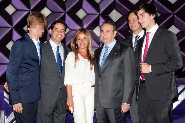 Pedro Trapote, su mujer Begoña García Vaquero y cuatro de sus cinco hijos