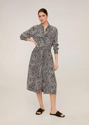 El vestido midi de Mango Outlet con el estampado que llevó Letizia