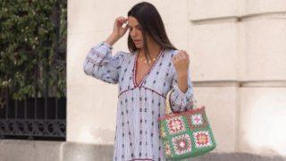 El vestido de Laura Matamoros queda siempre bien y reúne las tendencias de la primavera