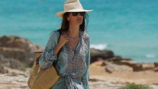 Eugenia Silva con un bolso de rafia / Gtres