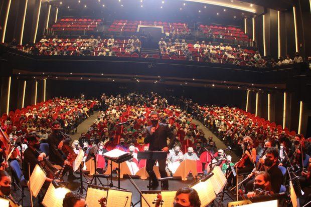 Antonio Banderas ha rendido homenaje a los mayores en la presentación del espectáculo 'El mayor aplauso'./Gtres