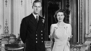 Primark tiene el vestido midi homenaje a 'The Crown' y a la reina Isabel II
