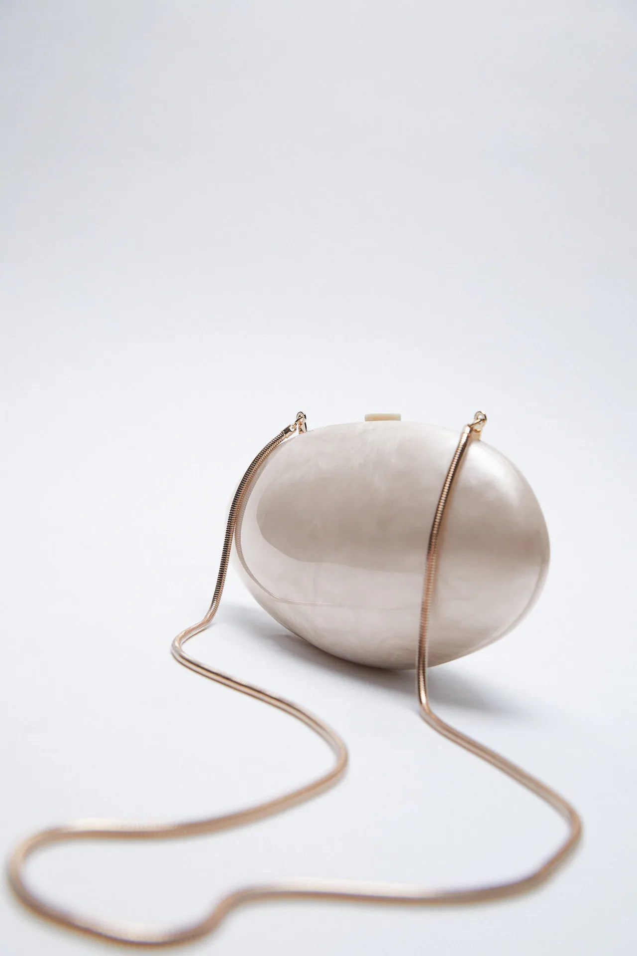 Los 5 bolsos caja más originales y exclusivos de la nueva colección de Zara