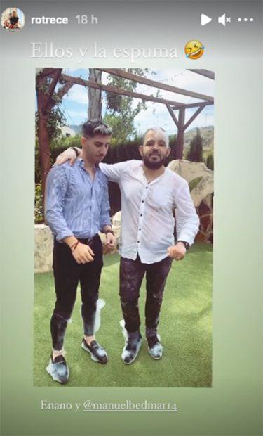 Manuel, pareja de Rocío Flores junto a David Flores./Instagram @rotrece