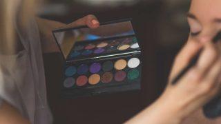 ¿Sabes cómo intensificar tu mirada gracias al maquillaje?