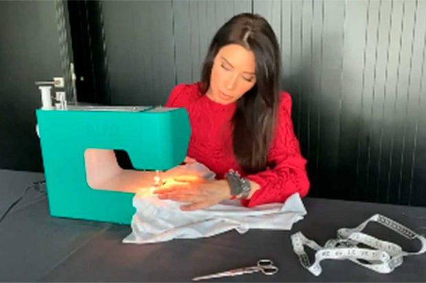 Pilar Rubio, cosiendo su propio vestido / Instagram