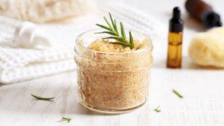 Descubre los ingredientes con los que hacer un exfoliante corporal casero