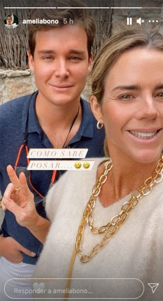 Aitor Gómez y Amelia Bono posando juntos este sábado./Instagram @ameliabono