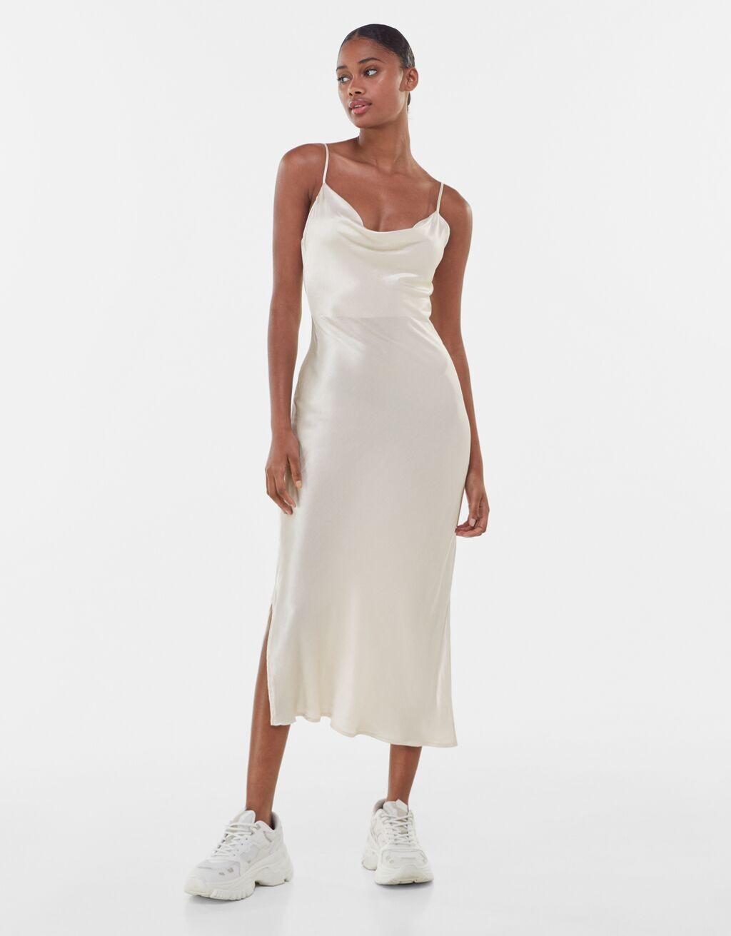 El vestido de novia más barato de la historia es de Bershka y vale 22 euros