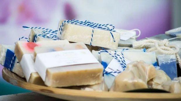 ¡Hora del baño! Luce una piel extra suave con estos productos para el baño