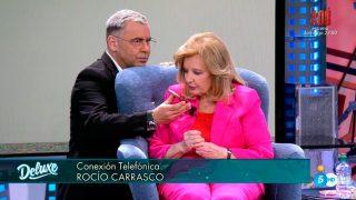 La veterana periodista ha aprovechado y le ha hecho una pequeña entrevista / Telecinco
