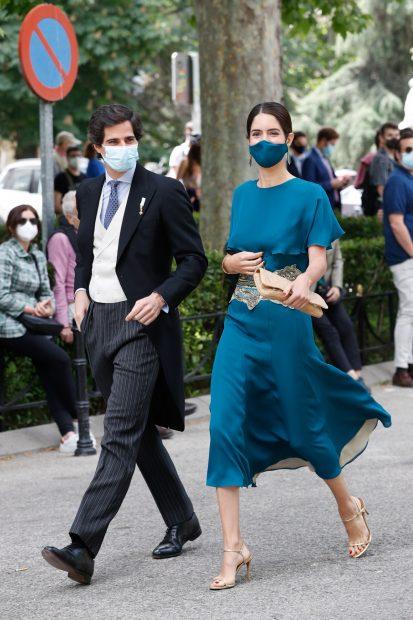 Fernando Fitz-James y Sofía Palazuelo llegando al enlace./Gtres