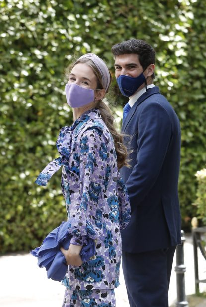 Alejandra Corsini se ha decantado por un vestido floral en tonos azules./Gtres