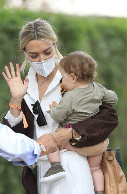 Marta Ortega con su hija Matilda./Gtres