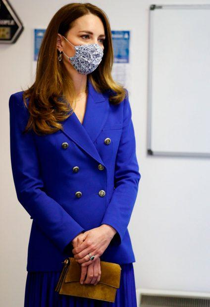 Kate Middleton se acuerda de la moda española para su debut en Escocia / Gtres